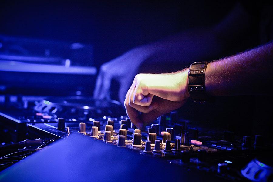 DJ Svarten kannella